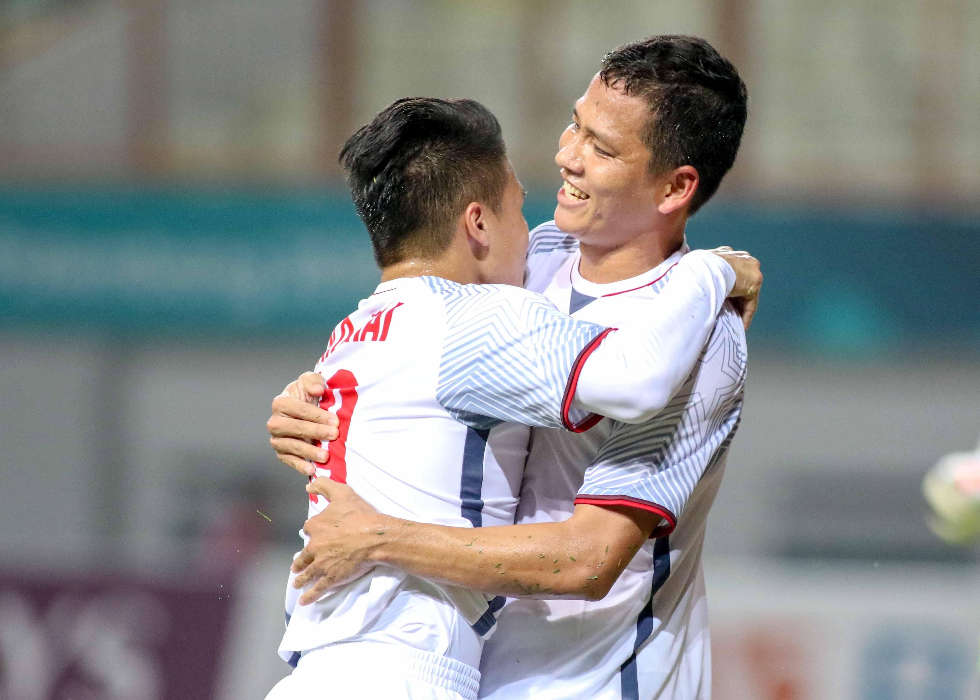 TRỰC TIẾP ĐT Lào 0-1 ĐT Việt Nam (H1): Trọng Hoàng chưa thể nhân đôi cách biệt - Bóng Đá