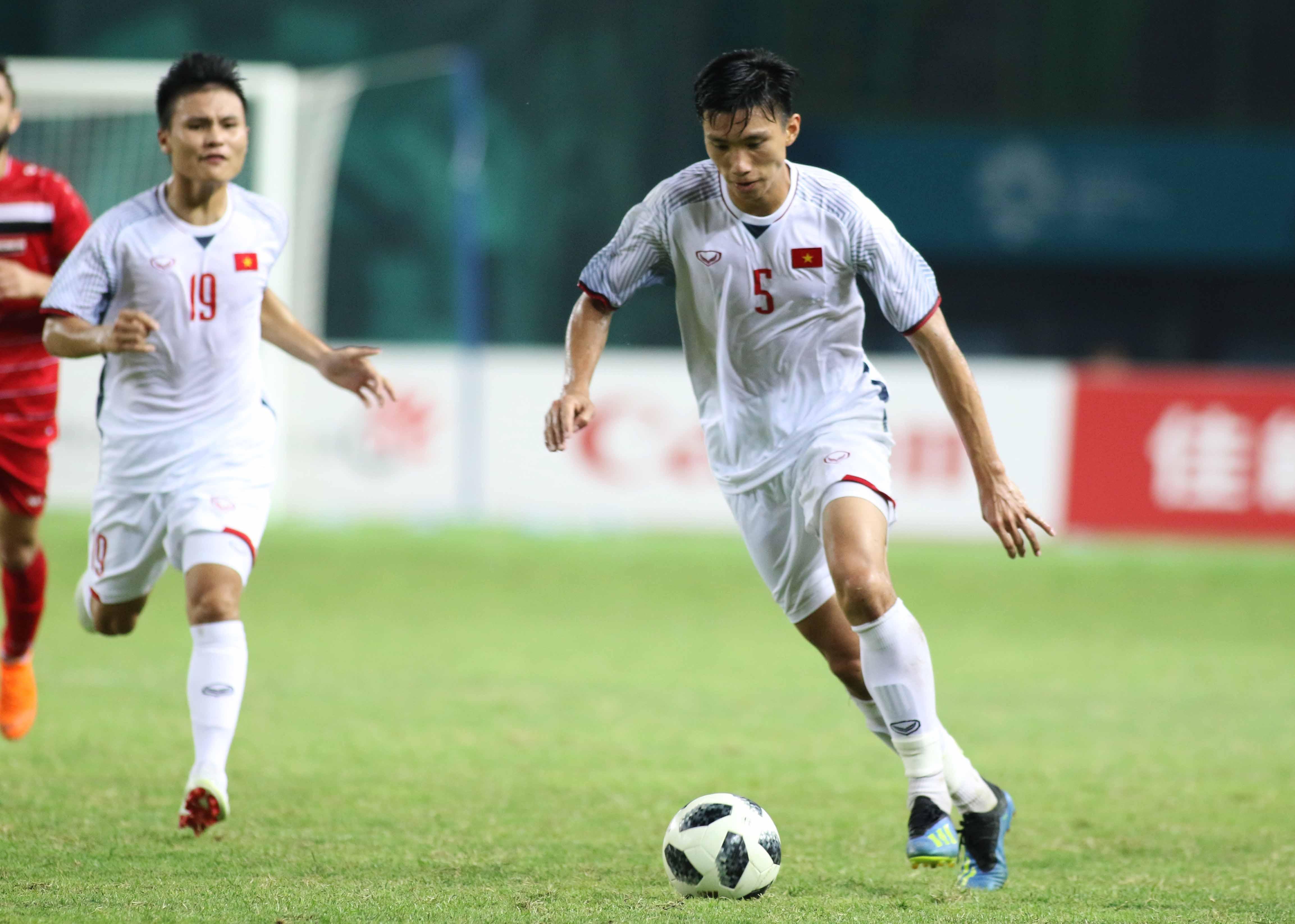 TRỰC TIẾP ĐT Lào 0-1 ĐT Việt Nam: Công Phượng ghi bàn - Bóng Đá
