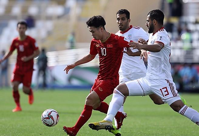 Trực tiếp ĐT Việt Nam 0-1 ĐT Iran (H2): Văn Toàn vào sân đá cặp với Công Phượng - Bóng Đá