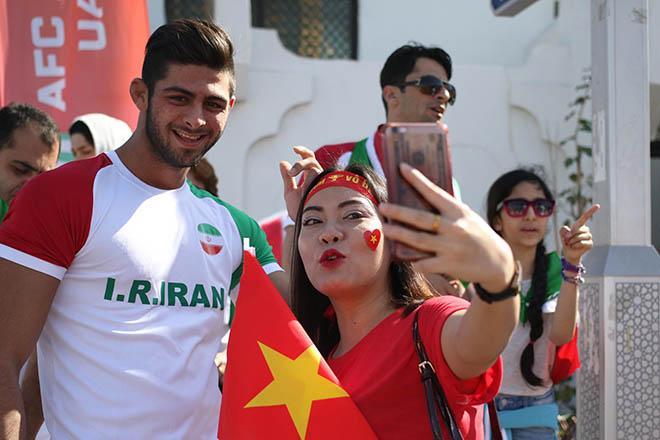 Trực tiếp ĐT Việt Nam 0-0 ĐT Iran: Công Phượng, Quang Hải đá chính - Bóng Đá