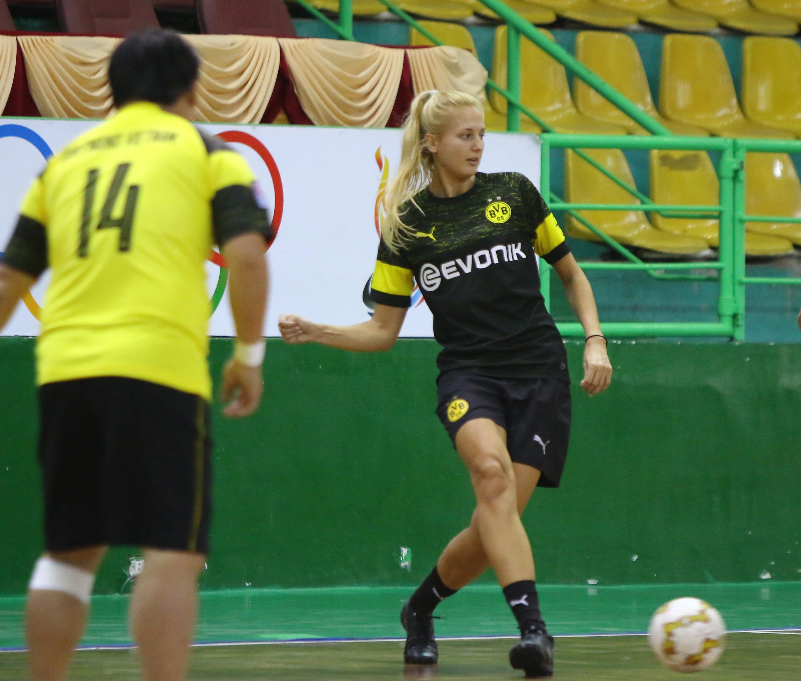 Fraser Sport vô địch giải giao hữu futsal CLB Borussia Dortmund (BVB)  - Bóng Đá