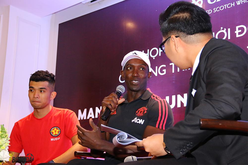 Dwight Yorke tin Man United hạ Toteham, Việt Nam dự World Cup  - Bóng Đá