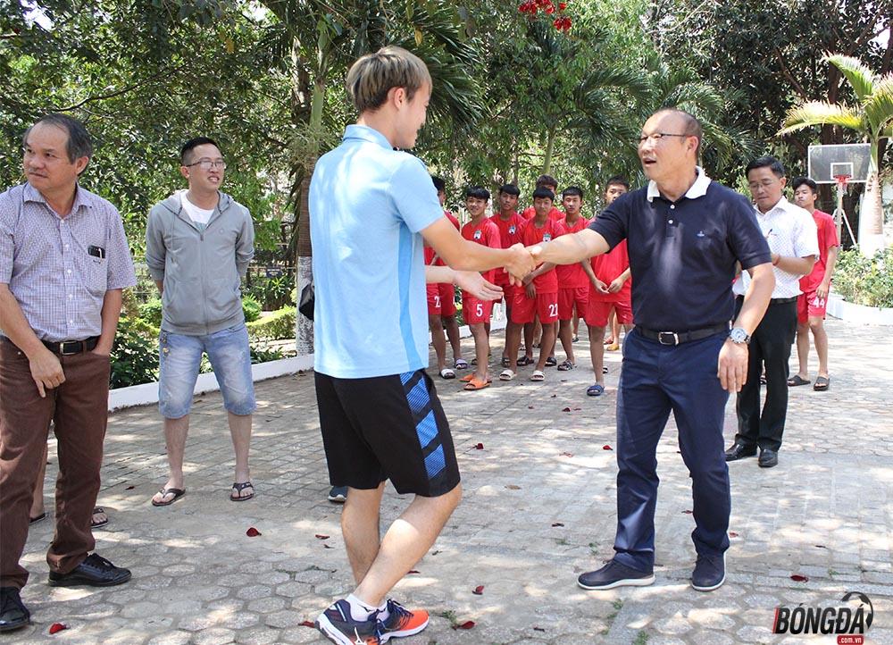 Thầy Park hội ngộ thân mật cùng quân bầu Đức tại Gia Lai - Bóng Đá