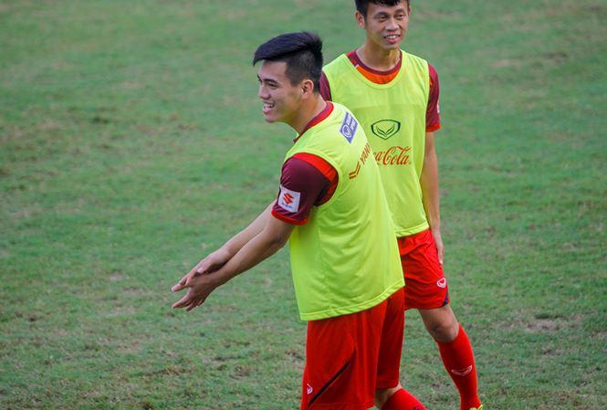 Ông chủ Thai League lại muốn có Quang Hải, Công Phượng - Bóng Đá