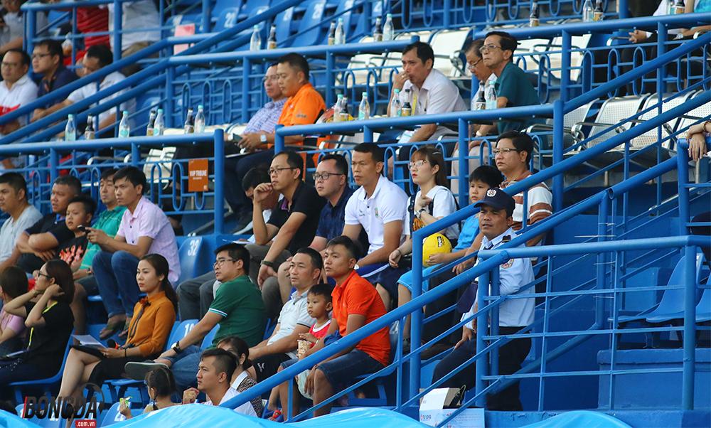 Đội bóng của Bùi Tiến Dũng, Hoàng Đức thua uất ức trên sân Gò Đậu - Bóng Đá