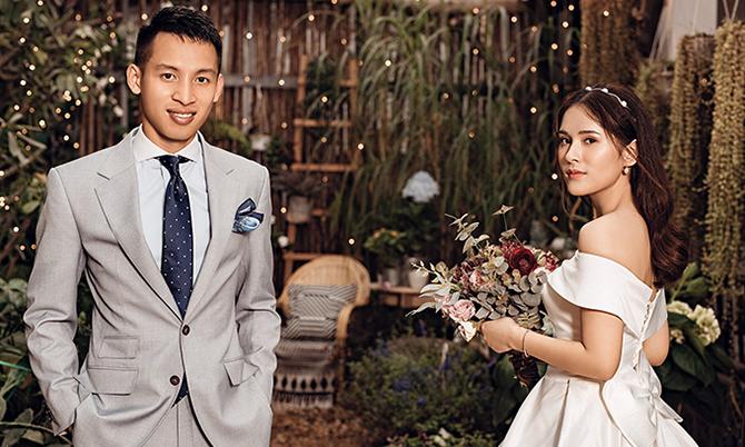Trò cưng HLV Park Hang-seo khoe ảnh cưới đẹp lung linh - Bóng Đá