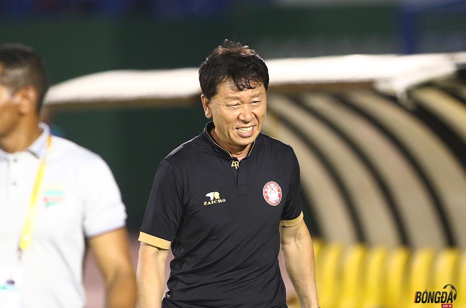 Sao V-League gia hạn 9 tỷ đồng với TP.HCM - Bóng Đá