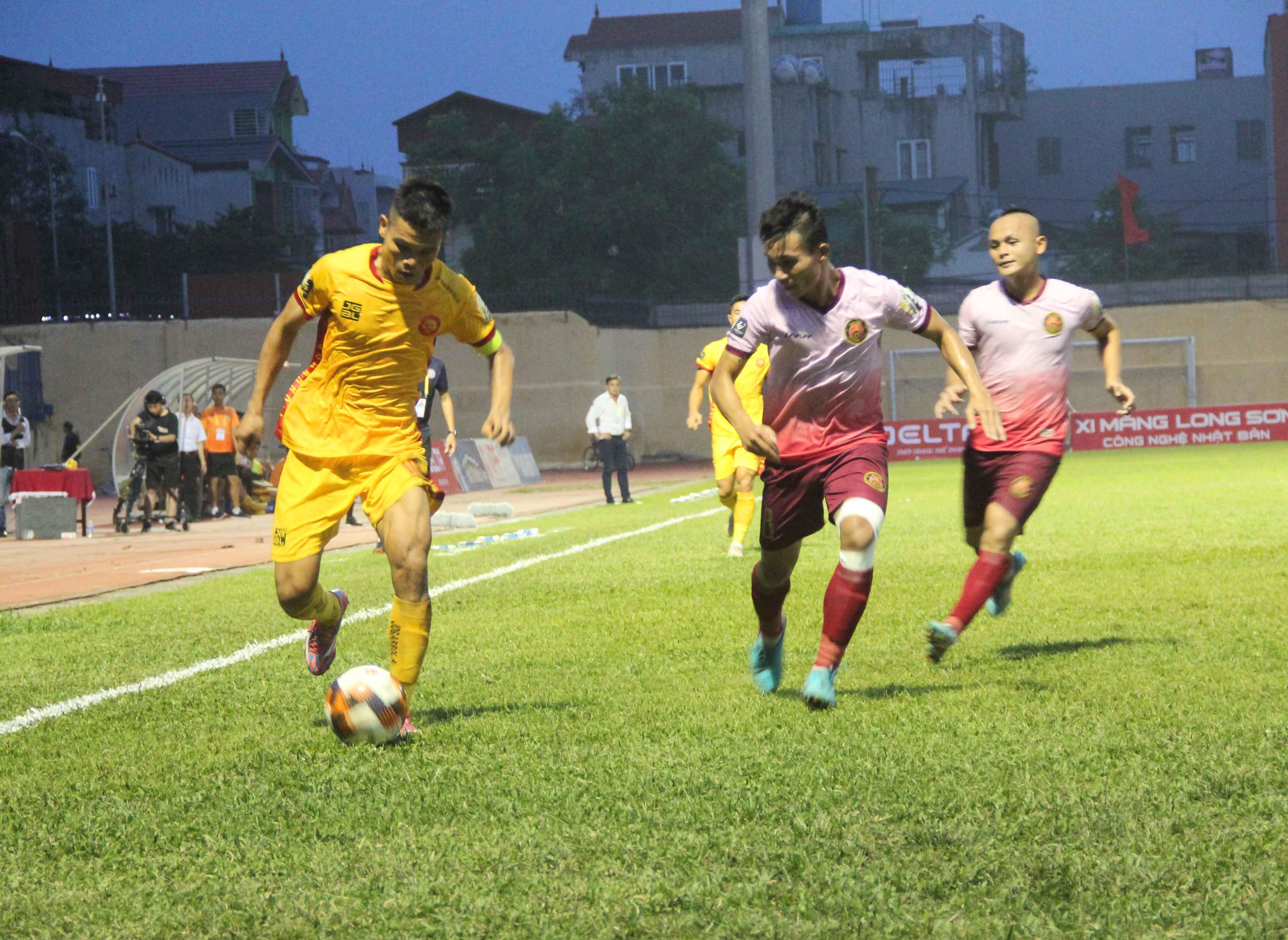 Đánh bại đội bóng cũ Sài Gòn FC, HLV Đức Thắng nói gì? - Bóng Đá