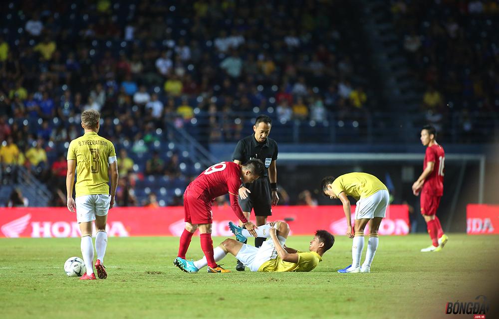 Khoảnh khắc bỏ bóng đá người, Thái Lan nhận cái kết đắng trước ĐT Việt Nam - Bóng Đá