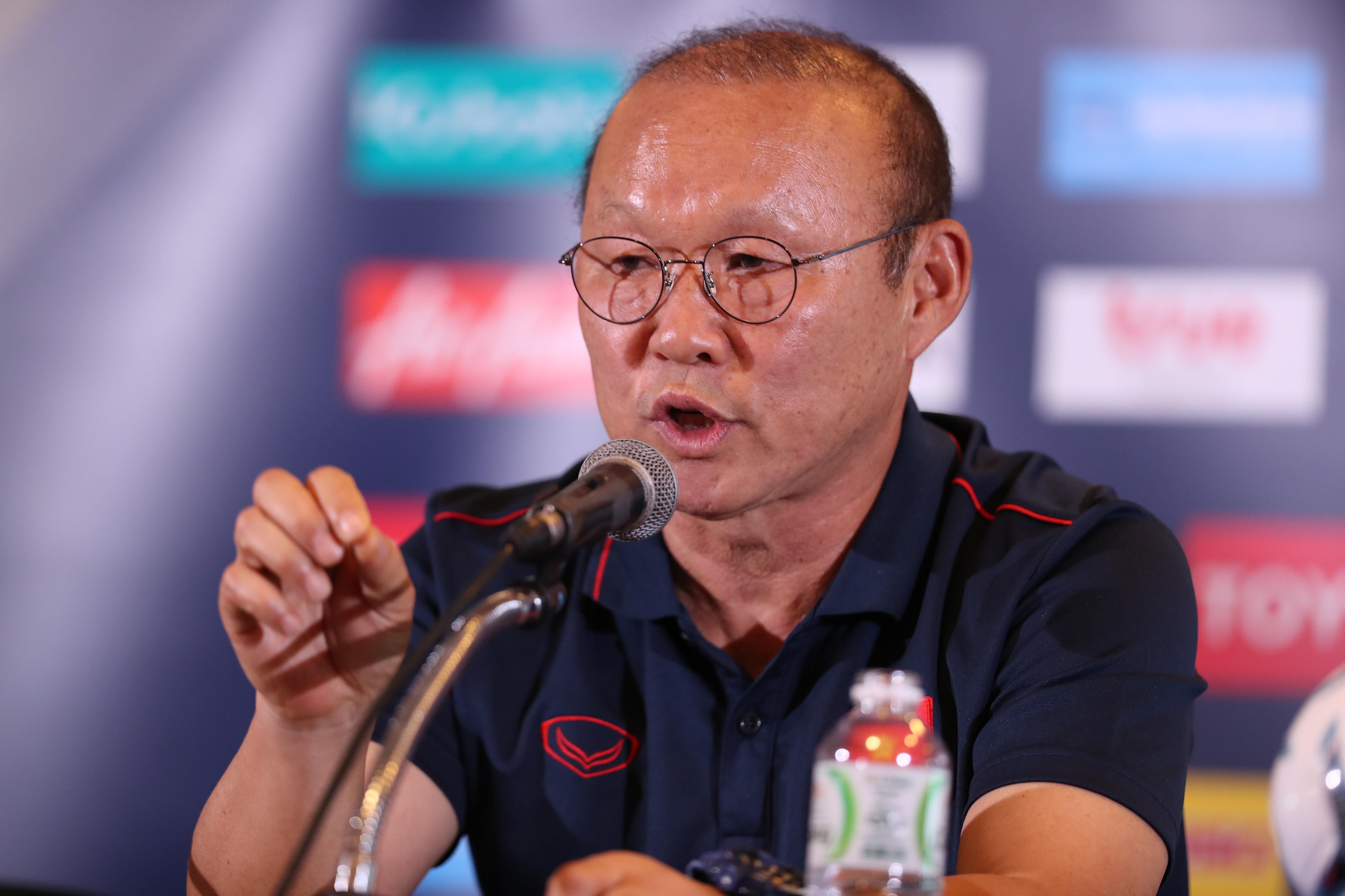 Trả lời báo Hàn Quốc, Thầy Park nói không vội trong việc gia hạn hợp đồng với VFF - Bóng Đá