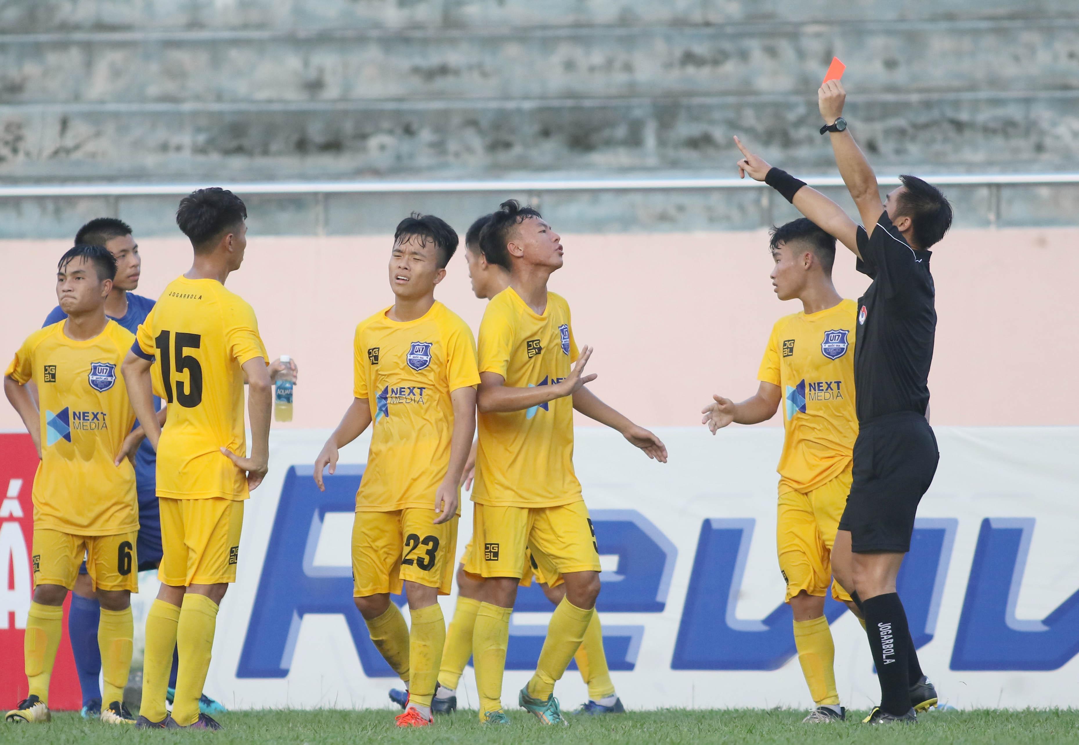 U17 Thanh Hóa bất ngờ hạ ứng viên vô địch PVF trong trận cầu 2 thẻ đỏ - Bóng Đá