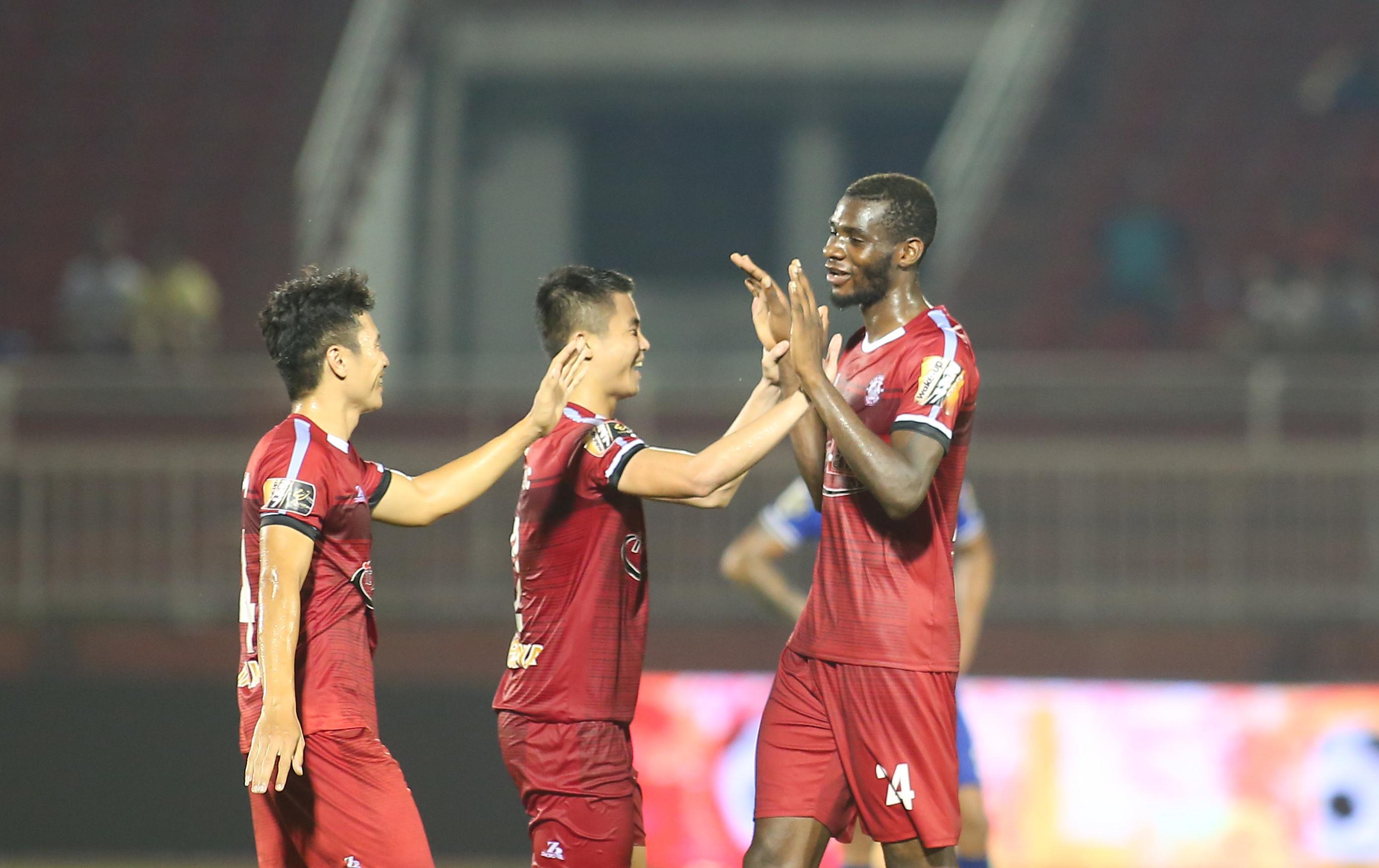 Đánh bại Bình Dương, TP.HCM trở lại ngôi đầu V-League - Bóng Đá