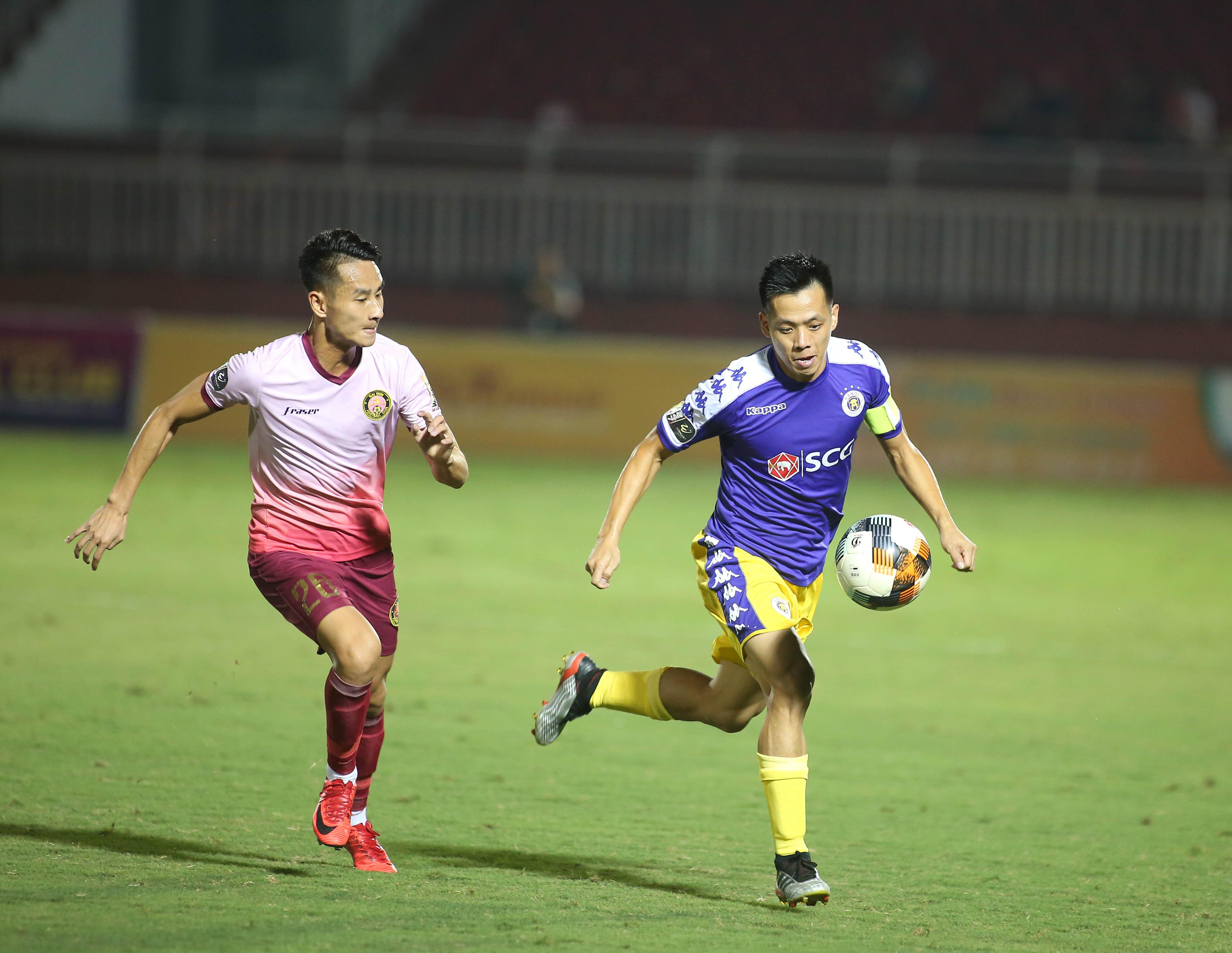 Đội trưởng Văn Qyết rực sáng, Hà Nội FC vùi dập