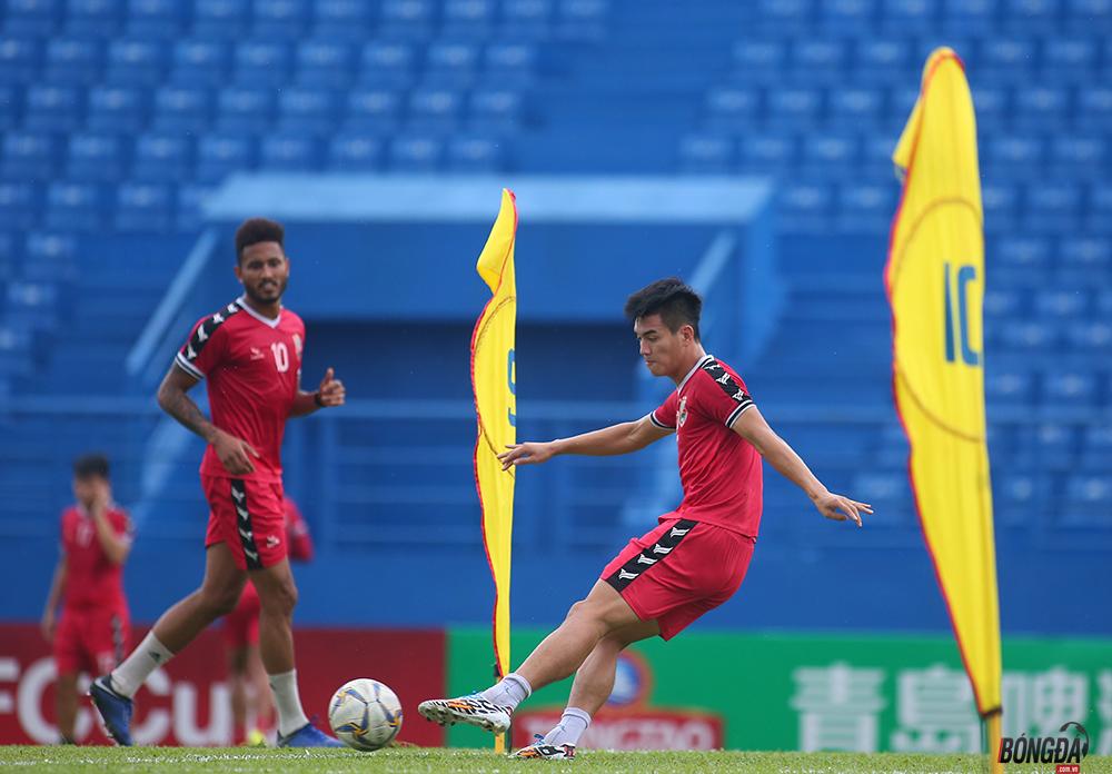 Anh Đức ghi bàn trên sân tập, HLV Bình Dương nói cậu ấy chấn thương chưa chắc đá chính - Bóng Đá