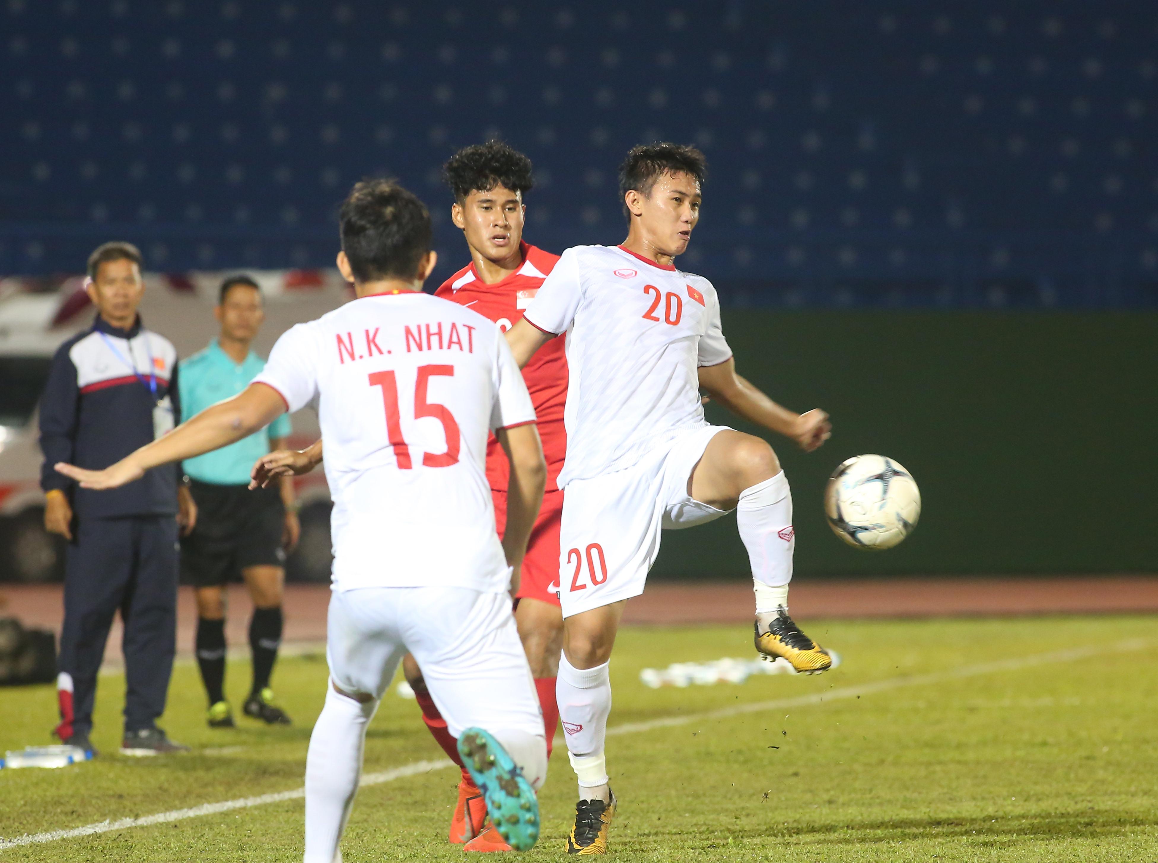Chùm ảnh U18 Việt Nam đã bại Singapore - Bóng Đá