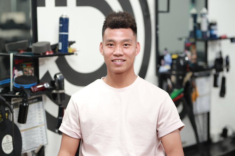 Hồng Duy - Văn Thanh đổi kiểu tóc trước đại chiến Thái Lan - Bóng Đá
