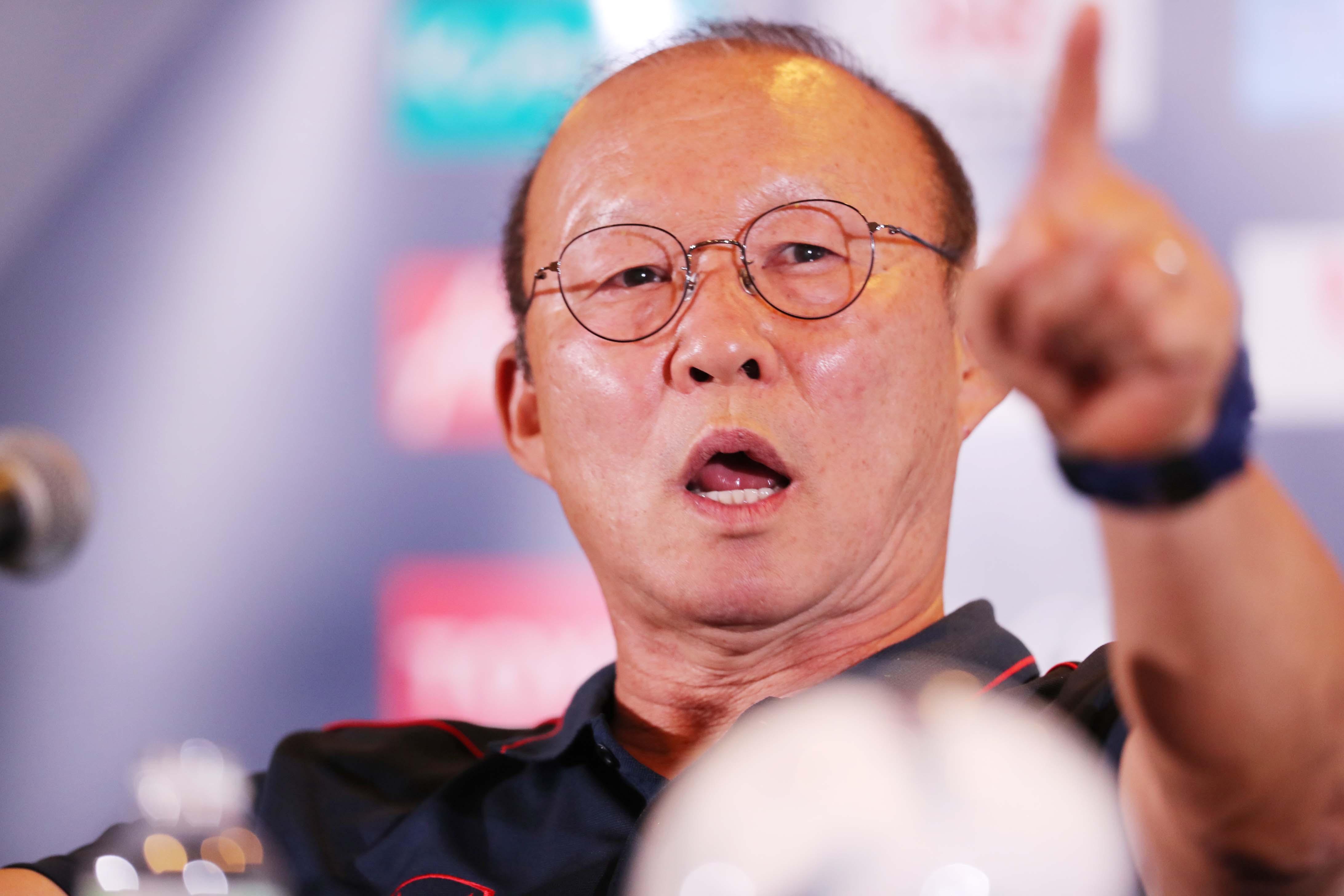 HLV Park Hang-seo đặc biệt lo ngại 1 cái tên của ĐT Thái Lan - Bóng Đá