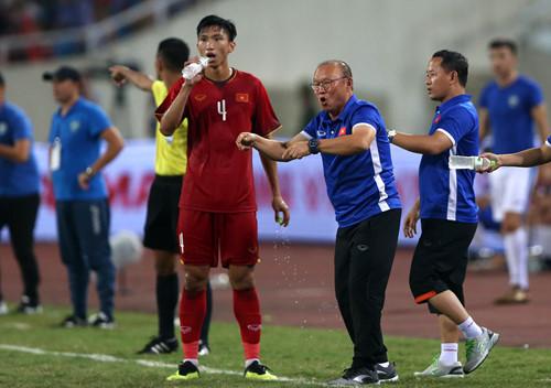 King's Cup: Sự tương phản thú vị giữa Việt Nam và Thái Lan - Bóng Đá