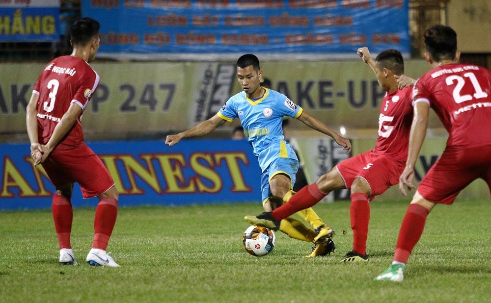 Nảy lửa cuộc chiến 2 đầu bảng xếp hạng V-League - Bóng Đá