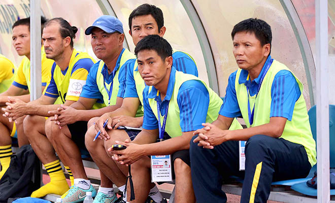 Năm HLV rồi ghế nóng: Sự khốc liệt và tàn nhẫn của V-League - Bóng Đá