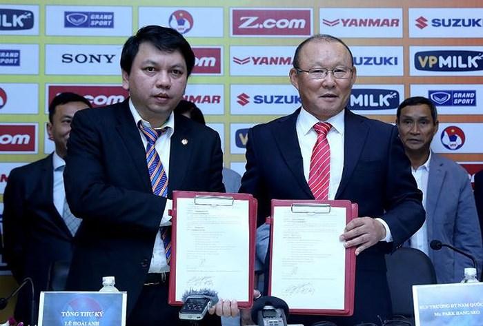 Tái ký hợp đồng với thầy Park: Thử thách năng lực của VFF - Bóng Đá