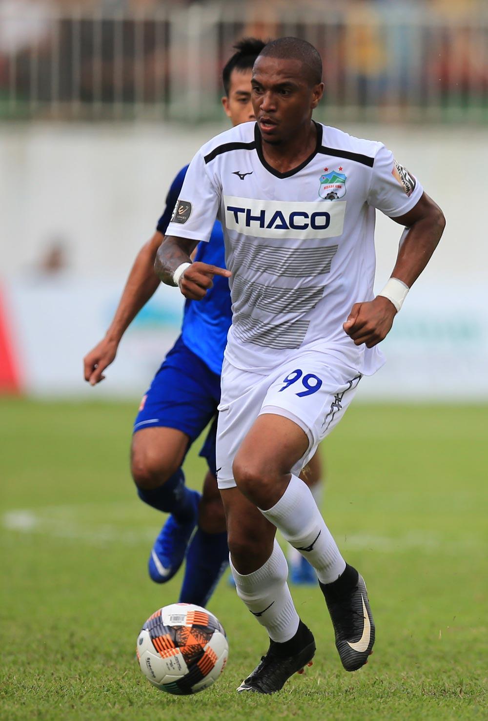 """Phong độ mờ nhạt, Filipe Martins đang là """"gót chân Achilles"""" của HAGL - Bóng Đá"""