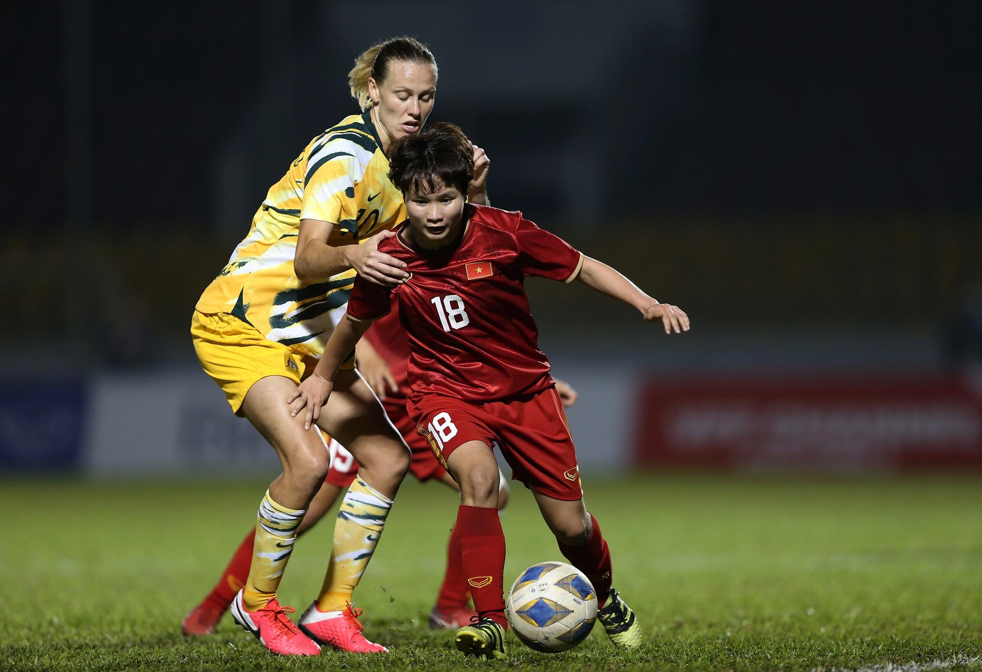 Huỳnh Như phá lưới Australia, tuyệt vời những cô gái vàng Việt Nam! - Bóng Đá