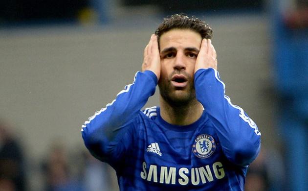 XÁC NHẬN: Fabregas gặp chấn thương 'bất thường', không thể góp mặt ở Derby London - Bóng Đá