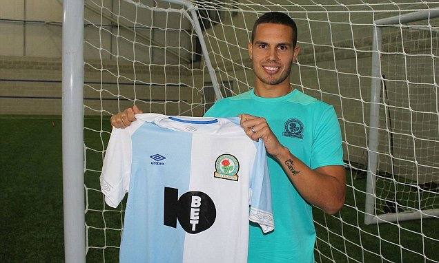Cựu 'thần đồng bóng đá Anh' CHÍNH THỨC gia nhập đội bóng giải hạng Nhất - Bóng Đá