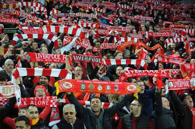 CĐV Liverpool trước nguy cơ kéo dài chuyến 'hành hương' - Bóng Đá
