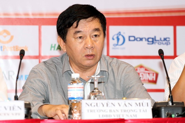 'Bóng ma' trọng tài ám ảnh cả một nền bóng đá chuyên nghiệp - Bóng Đá