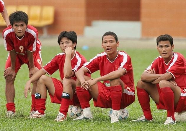 Nhìn AFF Cup lại nhớ về huyền thoại Lê Công Vinh - Bóng Đá
