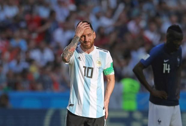 Lionel Messi và Argentina: Những thế giới tương phản - Bóng Đá