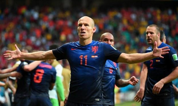 10 bức ảnh tái hiện lại sự nghiệp của Arjen Robben - Bóng Đá