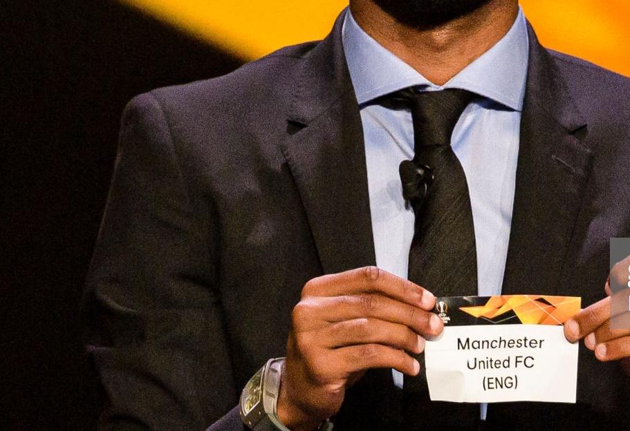 Cựu sao Arsenal lạnh lùng 'định đoạt' số phận của Man Utd - Bóng Đá