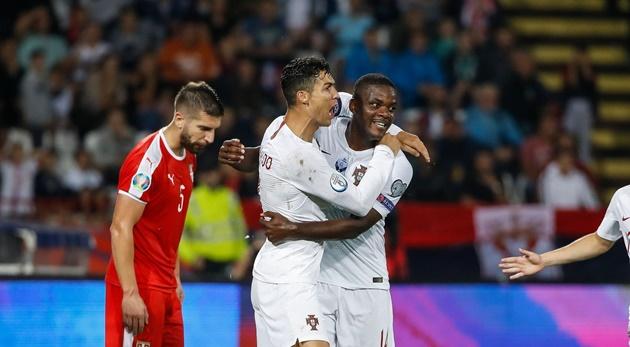 Ronaldo ghi bàn, Bồ Đào Nha có chiến thắng đầu tiên ở vòng loại - Bóng Đá