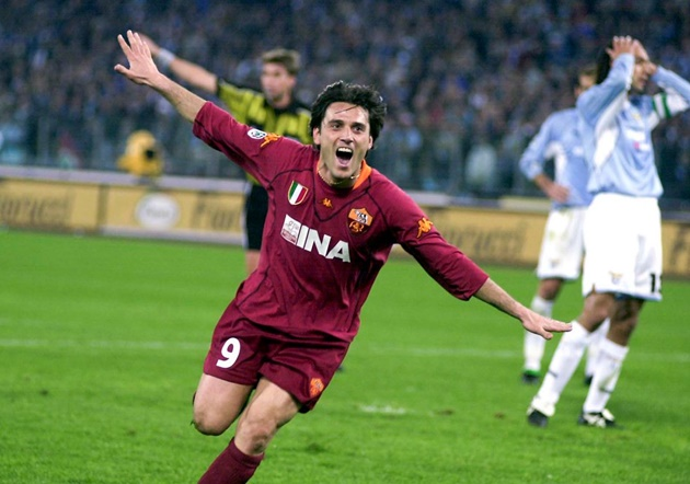7. Vincenzo Montella (18 bàn) - Đây là một trong những tiền đạo xuất sắc của bóng đá Italia trong thập niên đầu của thế kỷ mới, ông có quãng thời gian 10 năm khoác áo AS Roma (1999-2009).