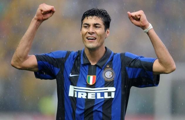 5. Julio Cruz (18 bàn) - Gắn bó với Inter Milan 6 năm (2003-2009), Cruz đích thực là một siêu dự bị với 18 bàn ghi được khi vào sân thay người.
