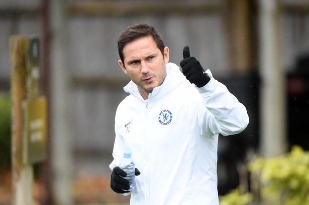 Nhìn sang Lampard mới thấy Emery đang tệ như thế nào - Bóng Đá