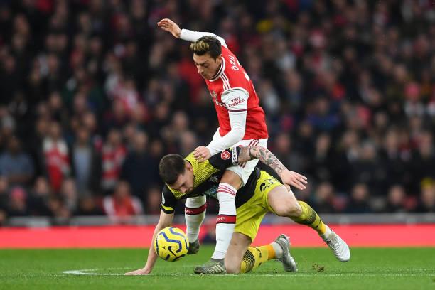 Unai Emery cũng phải 'chào thua' trước hàng phòng ngự của... Arsenal - Bóng Đá