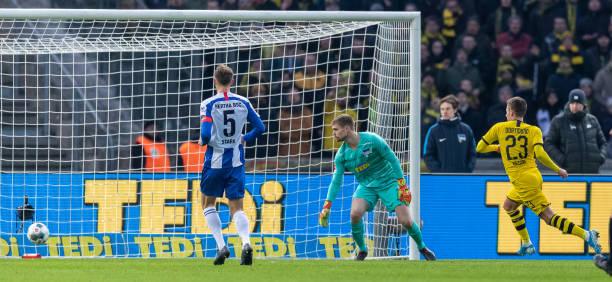Hazard nổ súng, Dortmund áp sát Bayern trên BXH - Bóng Đá