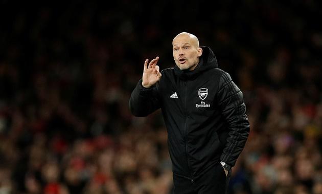 Một rừng cầu thủ Arsenal bủa vây cũng không thể cản De Bruyne nổ súng - Bóng Đá