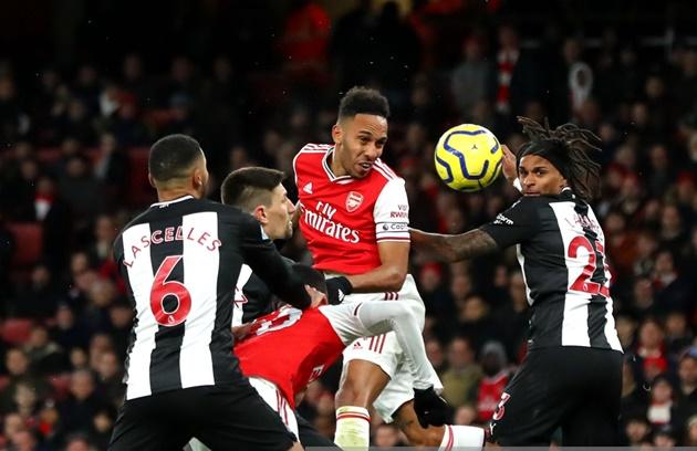 'Bom tấn' rực sáng, Arsenal dội cơn mưa bàn thắng vào lưới Newcastle - Bóng Đá