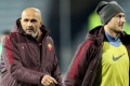 Vợ Totti chỉ trích HLV trưởng Roma là