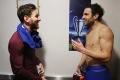 """Fabregas tranh thủ """"tâm sự mỏng"""" với Messi sau trận"""