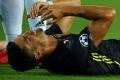 """Huyền thoại Man Utd tiết lộ lý do Ronaldo """"khóc như mưa"""" sau tấm thẻ đỏ"""
