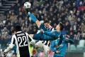 """Bàn thắng đẹp nhất châu Âu: Siêu phẩm """"Ngả bàn đèn"""" của Bale vắng mặt"""