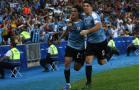 Siêu tiền đạo Cavani tỏa sáng, Uruguay vượt qua Chile giành ngôi số 1 bảng C