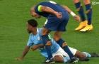 CĐV Man City: 'Hắn xứng đáng phải nhận thẻ đỏ'