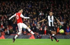 Arsenal thi triển tiki-taka khó tin ở bàn thắng của Ozil